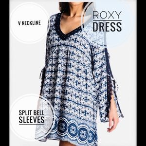 Roxy  v-neck blue and white dress cold shoulder